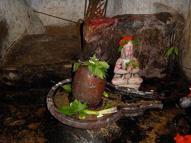 भगवान शिव का यह रहस्यमयी मंदिर, जो है आस्था का केन्द्र, देखें तस्वीरें
