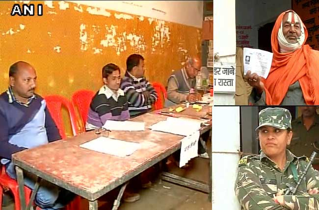 यूपी चुनाव : अयोध्या और अमेठी समेत 51 सीटों पर मतदान शुरू, सुरक्षा के कड़े इंतजाम, देखें तस्वीरें