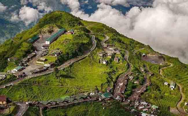 एशिया का सबसे पढ़ा-लिखा गांव तो कोई हाईटेक गांव: घूमने जाएं भारत के ये 10 अनोखे गांव