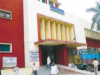 No bed for paralytic patient  in SRN Hospital BUT BED-SHORTAGE REPORT DENIED