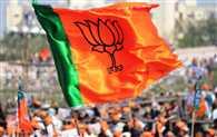 यूपी विधानसभा चुनाव-बीजेपी में बगावत की भड़की 'आग'