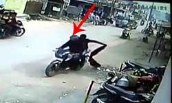 कानपुर: दरोगा की पत्नी से फिल्मी स्टाइल में लूटा पर्स, देखें लाइव वीडियो