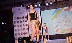 NIFT स्टूडेंट्स ने गर्ल्स और मेन्स फैशन के बाद दिखाया हैंडबैग्स का हॉट फैशन