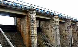 जब एशिया की सबसे बड़ी खुली जेल के कैदियों ने बना डाला यूपी में इतना बड़ा बांध