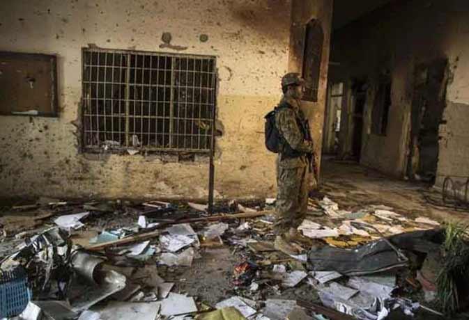 पेशावर स्कूल पर हमले के दोषी छह आतंकियों को मौत का फरमान, दायर कर सकते हैं अपील