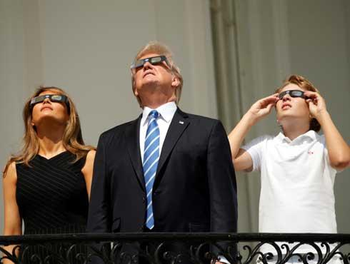 अमरीका: जब अंगूठी जैसा चमकने लगा सूरज