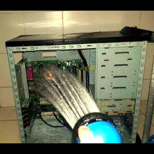 गर्मियों में दिमाग ठंडा रखना मुश्किल होगा, पर कंप्यूटर ठंडा करने की 10 मस्त जुगाड़ हैं हमारे पास