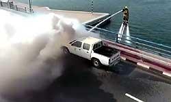 ये हैं दुबई के फायर फाइटर्स जो पानी पर उड़कर बुझाते हैं आग