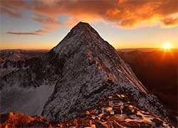 Top 10 Extraordinary Mountains in ...
