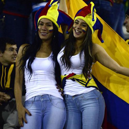 In pictures : फुटबॉल मैचों में ऐसे Hot फैंस पहले कभी नहीं देखें