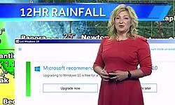 मोस्ट फनी वीडियो: लाइव टीवी न्यूज में मौसम की जगह दिखने लगा विंडोज 10 का अपग्रेड ऑफर
