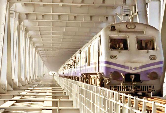 जून से गंगा ब्रिज पर दौडऩे लगेंगी एक्सप्रेस ट्रेनें