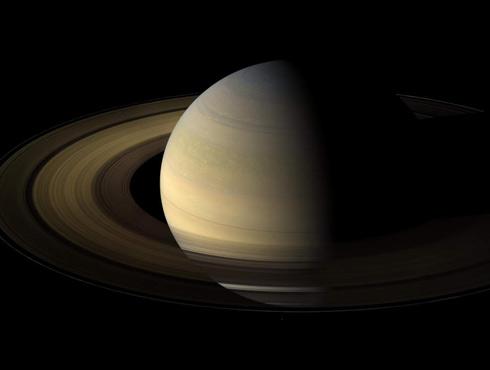 अंतरिक्ष से आई खूबसूरत तस्वीर : डराने वाला शनि, असल में बहुत सुंदर ग्रह है