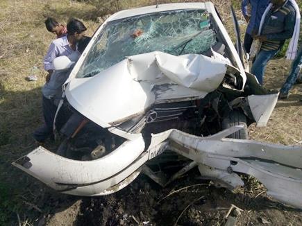 सिंहस्थ से लौट रही कार हुई दुर्घटनाग्रस्त, पांच मरे