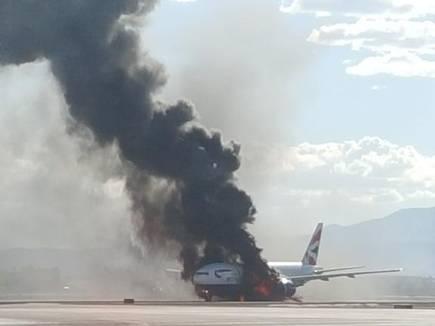विमान में लगी आग, बच गए 172 लोग