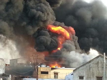 विदिशा की पेस्टिसाइड  फैक्ट्री में भीषण आग, 2 करोड़ का  नुकसान