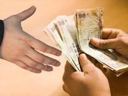 चाय की गुमठी रखवाने तहसीलदार ने मांगे 1.40 लाख रूपए