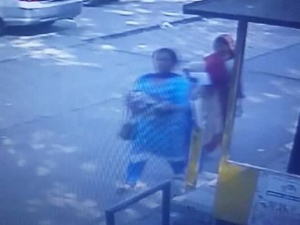 बच्चा  चोर महिला की तस्वीर सीसीटीवी कैमरे में कैद