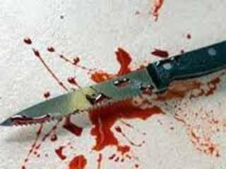 ओबैदुल्लागंज  मुख्य नगरपालिका अधिकारी की पत्नी और बेटी की हत्या