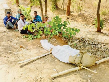 dead body ambikapur 2017430 93553 30 04 2017