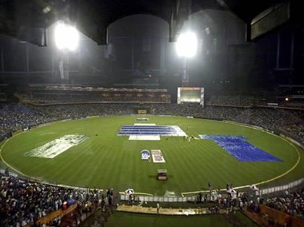 IPL 2017 LIVE: गुजरात लॉयंस का पांचवा विकेट गिरा, स्मिथ लौटे