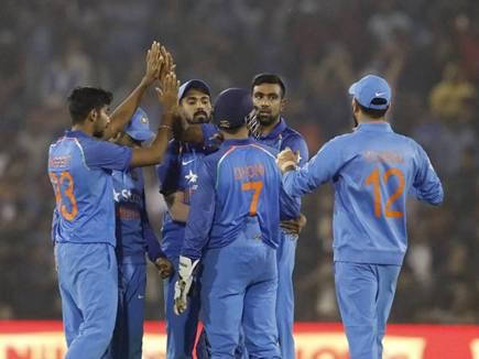 कटक वनडे में भारत की रोमांचक जीत, सीरीज पर 2-0 की अजेय बढ़त