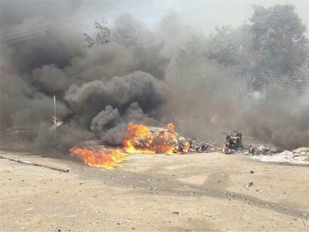 औरंगाबाद के पटाखा मार्केट में भयंकर आग, कई गाड़ियां जलकर खाक