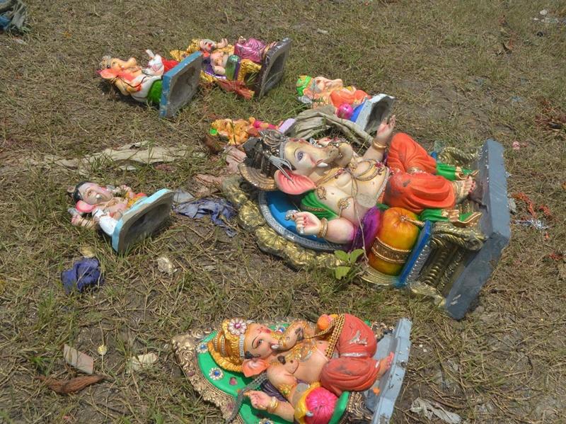 विसर्जित गणेश प्रतिमाएं तालाब से निकाल फिर बेचने की तैयारी