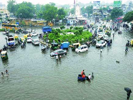 गुजरात में भारी बारिश...