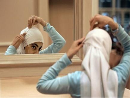 hijab removing 12 08 2017