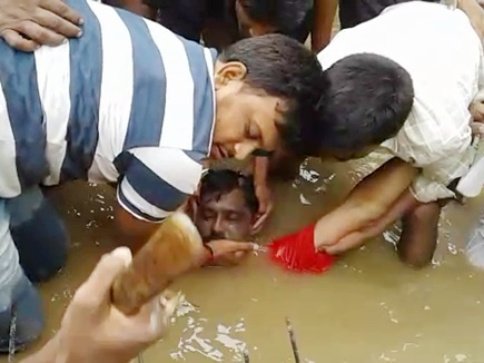 मप्र के कई इलाकों में भारी बारिश से  तबाही,16 मरे ,तीन दिन अलर्ट