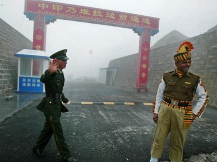 चीन का डोकलाम पर समझौते से इंकार, भारत से सेना हटाने को कहा