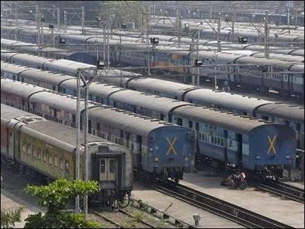 लगातार हादसों से सहमी रेलवे ने रद्द किए 60 ट्रेन, जानिए इसकी खास वजह