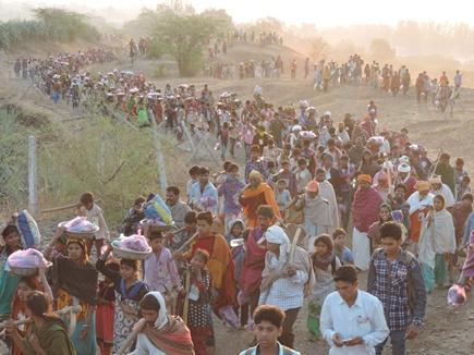 परमार्थ का उत्साह देख दंग रह गए मेहमान