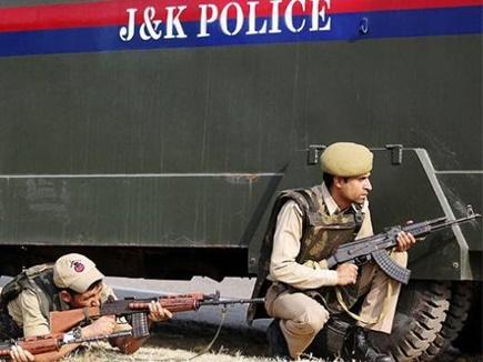 अनंतनाग में पीडीपी की चुनावी रैली पर आतंकियों ने चलाई गोली