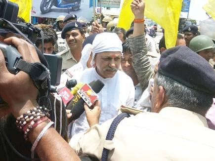 चक्काजाम कर रहे किसान नेता शिवकुमार शर्मा गिरफ्तार