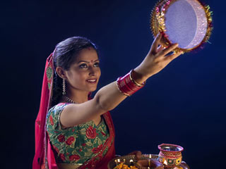 Karva Chauth Kawari Ladaki Photo Gallery for free download