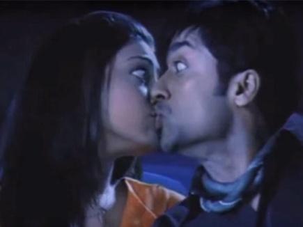 फिल्मों में किसिंग सीन भी होते हैं नकली !