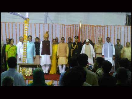 शिवराज मंत्रिमंडल के विस्तार में नौ मंत्री शामिल, गौर ,सरताज का इस्तीफ़
