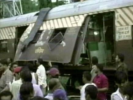 मुंबई ट्रेन धमाकों में पांच आरोपी दोषी करार