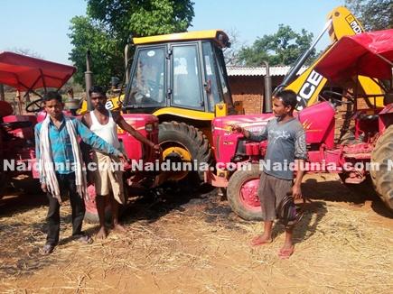 naxal fire truck narayanpur 2017318 11615 18 03 2017