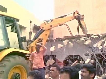 nsg-commander-home-demolished 2016811 105112 11 08 2016