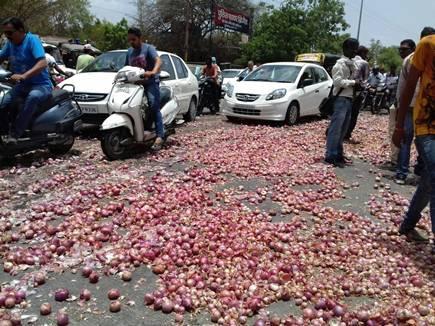 इंदौर में प्याज के ये हाल,भोपाल में बिक रही 10 रु. किलो