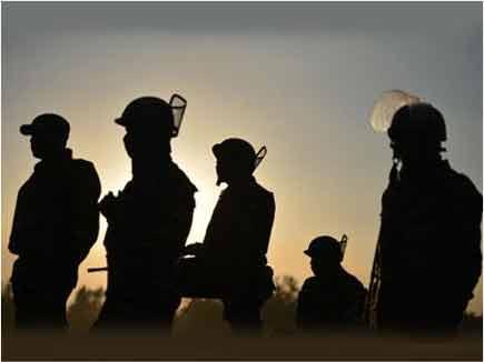 सीमा पर अपने रेंजर्स की जगह सेना तैनात कर रहा पाकिस्तान