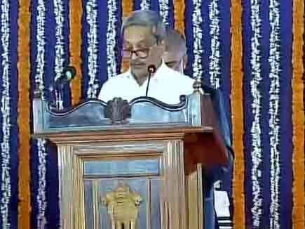 मनोहर पर्रिकर चौथी बार बने गोवा के CM, शपथ ग्रहण की