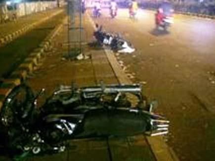 अहमदाबाद में फायरिंग,2मरे,3शहरों में कर्फ्यू,नेट बंद