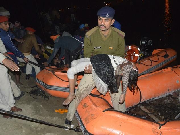 पटना में डूबी नाव, सौ से अधिक थे सवार, 21 की मौत