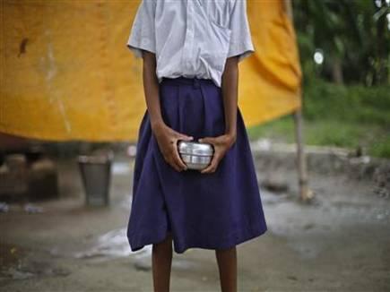 poor school girl india 2017718 125452 18 07 2017