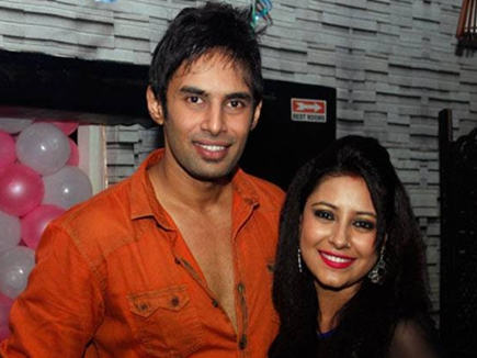 प्रत्यूषा बनर्जी मामला : राहुल पर एक्स गर्लफ्रेंड ने लगाया 25 लाख ठगने