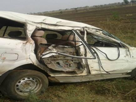 होशंगाबाद : सड़क दुर्घटना में पार्षद की पत्नी और बेटी की मौत